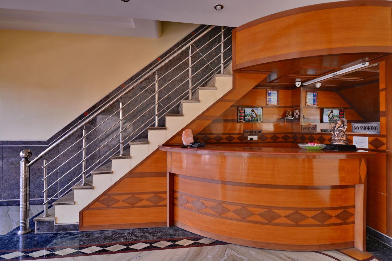 Hotel_Manglam_reception
