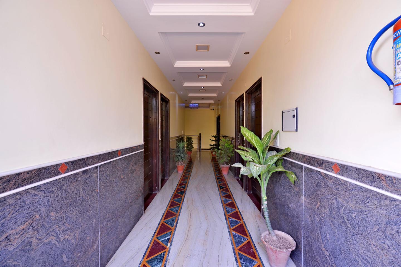 Hotel_manglam_lobby